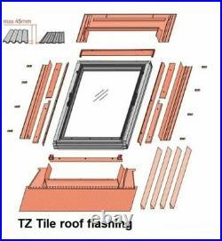 REDUCED/01 Optilight Roof Window 78 x 118cm Centre Pivot Skylight, Flashing