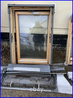 VELUX Centre Pivot Skylight FOR SPARES OR REPAIRS X2