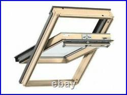 VELUX SK06 GGL 3070 Pine Centre Pivot Roof Window Loft Skylight 114cm x 118cm